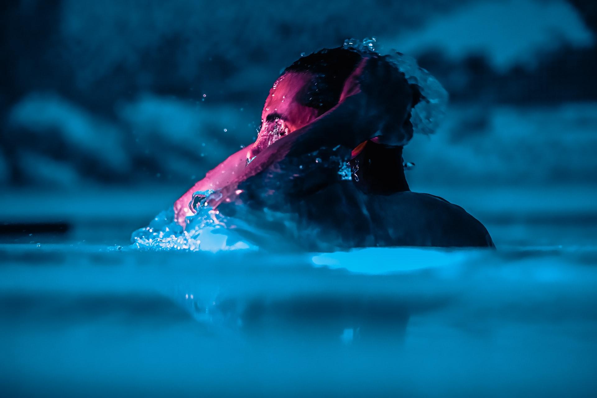 Die Schwimmerin Roman